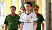 Bác sĩ Hoàng Công Lương sắp hầu toà