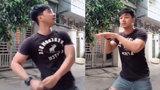 Điệu nhảy con vịt của chàng trai gây sốt