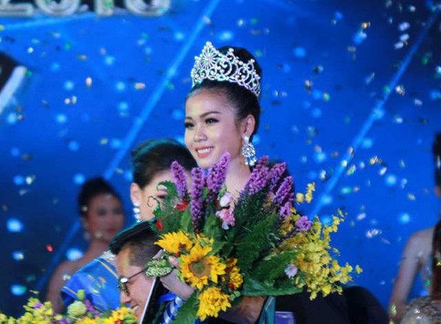 Vì sao chưa tước vương miện Hoa hậu Đại dương Ngân Anh?