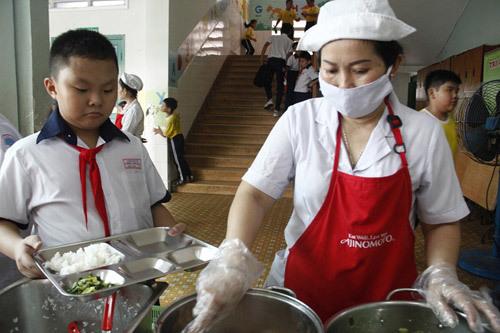Xây thực đơn dinh dưỡng cho HS bán trú Đắk Lăk