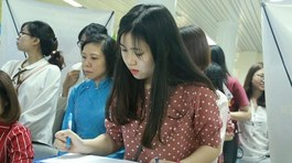 Sinh viên sư phạm tấp nập tìm kiếm cơ hội việc làm