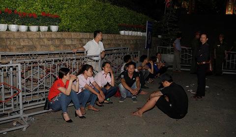 xuyên đêm ở đền Hùng