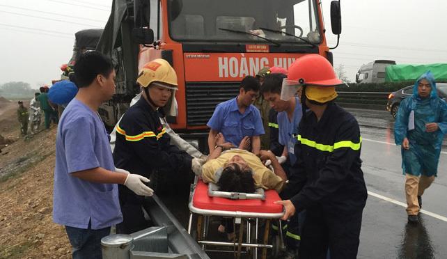 tai nạn,tai nạn giao thông,Hà Nội,tai nạn chết người,cao tốc Pháp Vân - Cầu Giẽ,PCCC