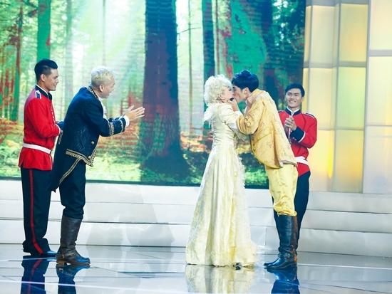 Việt Hương rơi nước mắt vì Hoàng Hải và Miko Lan Trinh