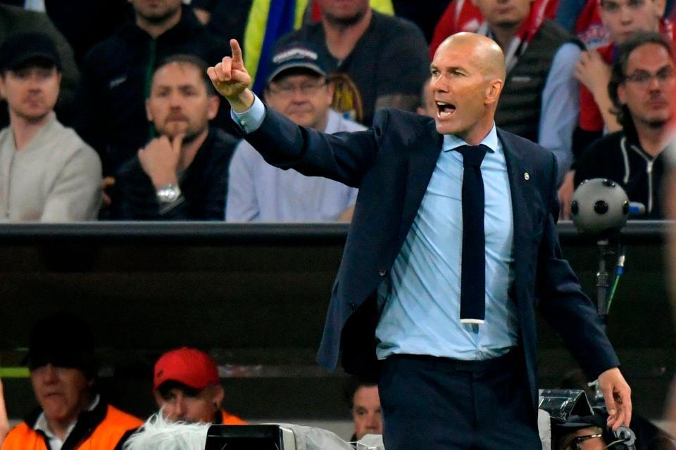 Zidane: 'Real đá cam chịu, gồng mình chống chọi Bayern'