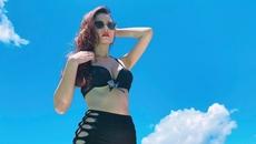 Midu diện bikini phô diễn vòng 1 nóng bỏng