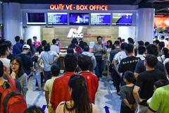 Khán giả đổ xô ra rạp xem 'Avengers: Cuộc chiến vô cực'