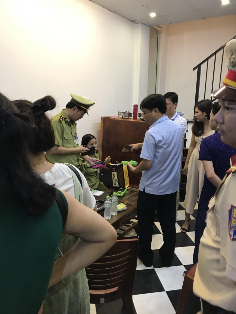 'Giải cứu' khách Trung Quốc suýt bị 'chém 70 triệu cho 1,9kg tam thất