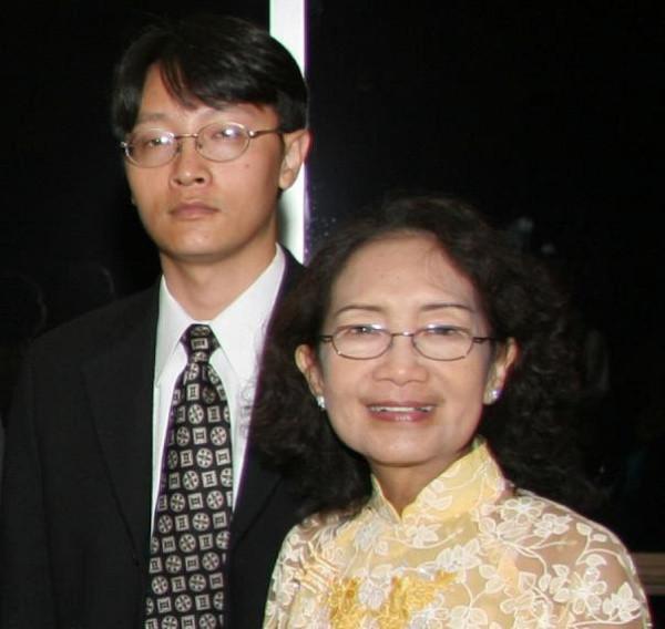 Thảm kịch giết mẹ trong gia đình gốc Việt vì bị ép trở thành bác sĩ