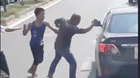Va chạm giao thông, võ sĩ Muay tung chưởng giữa đường phố