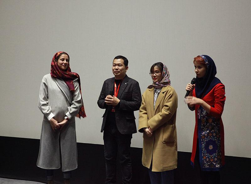 'Cha cõng con' giành giải Phim châu Á xuất sắc nhất