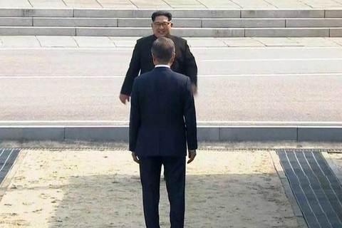 Bước chân lịch sử Kim Jong Un