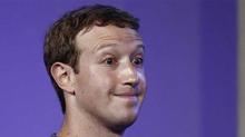 Nhiều người bị Mark Zuckerberg 'dỏm' lừa tiền trên Facebook