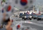 Dàn xe ngoại hộ tống Tổng thống Hàn Quốc tới làng đình chiến