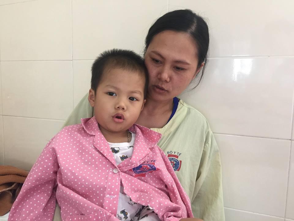 Vật lộn với ung thư, cậu bé 3 tuổi đang mất dần sự sống