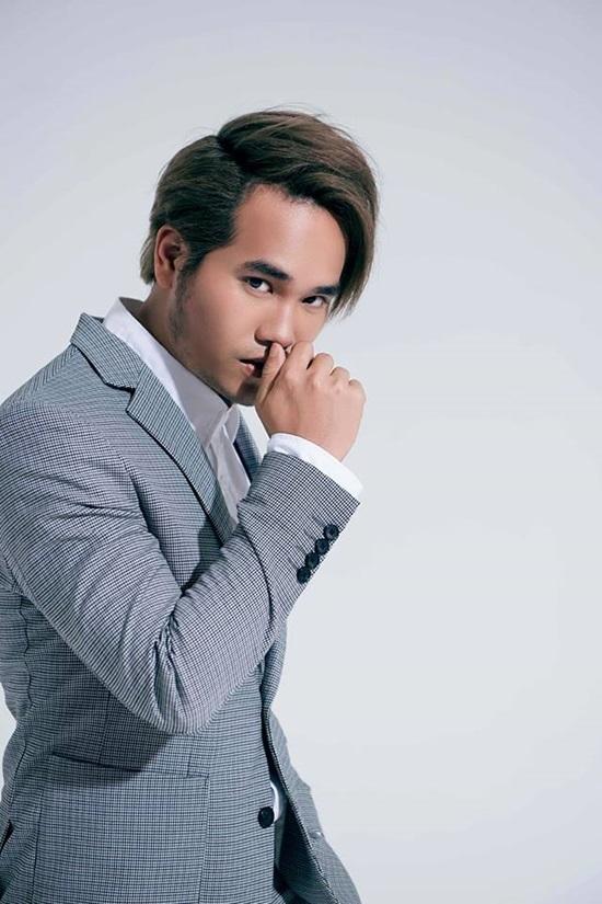Khắc Hưng hạnh phúc khi được ca sĩ Hàn mua bản hit 'Sau tất cả'