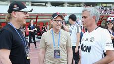 Ông chủ MU gọi điện khen Mourinho, Abramovich làm loạn Chelsea