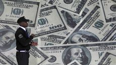 Tỷ giá ngoại tệ ngày 28/4: USD giảm cùng giá vàng