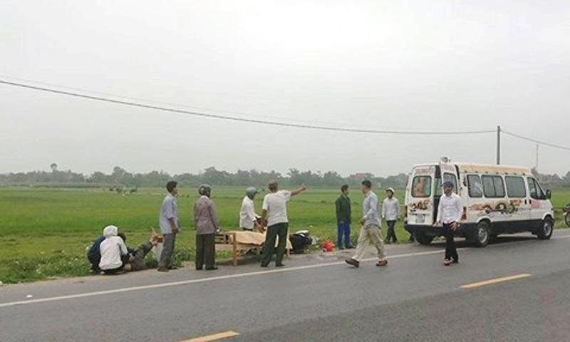 Xe tải va xe máy trên QL 46, cô gái tử vong tại chỗ