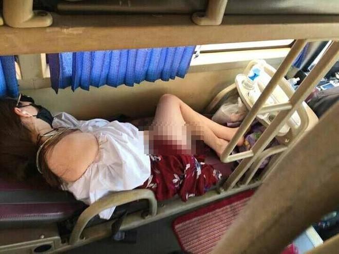 4 chiếc túi nilon trớ trêu và nỗi ngán ngẩm của cô gái trên chuyến xe đường dài