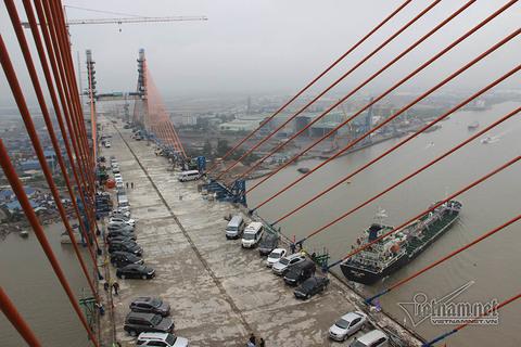 Hợp long cầu Bạch Đằng