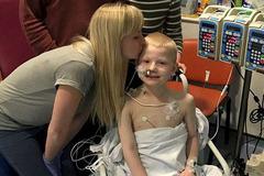 Chuyện đời cổ tích của cậu bé 7 tuổi ghép 5 bộ phận tạng cùng lúc