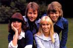 Nhóm nhạc huyền thoại ABBA tái hợp sau 35 năm tan rã
