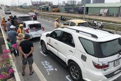 9 ô tô tông liên hoàn trên cao tốc, giao thông ùn tắc nghiêm trọng
