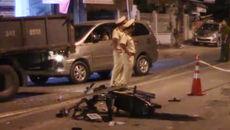 Vượt ô tô 7 chỗ, xe tải cẩu tông chết thanh niên