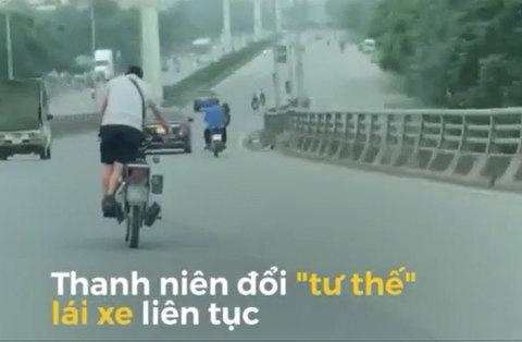 Thanh niên đi xe máy kiểu '50 sắc thái' trên đường Hà Nội