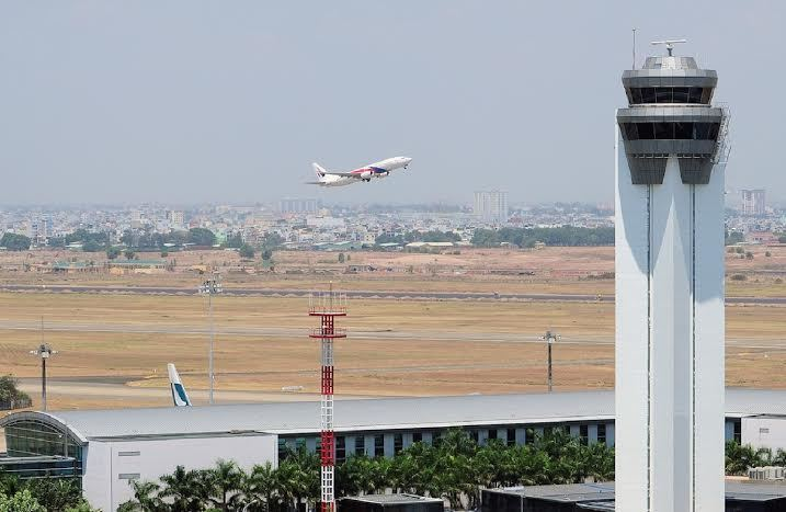 Hàng không Việt 'thót tim' vì máy bay suýt đụng nhau trên trời