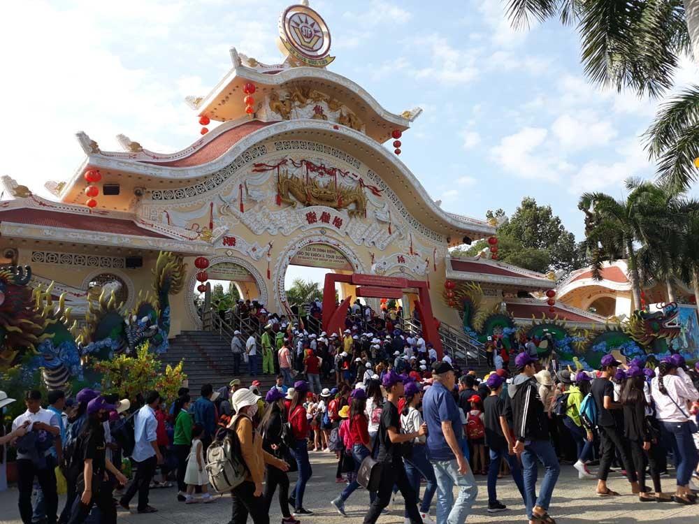 nghỉ lễ,Hà Nội,công viên Thủ Lệ,đầm sen,suối tiên,Thảo Cầm Viên,Sài Gòn