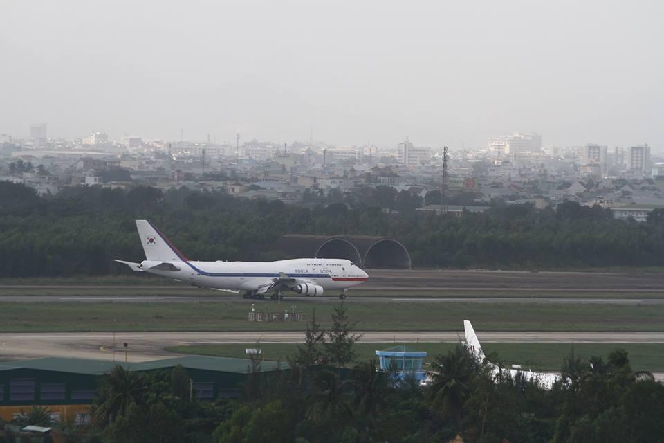 Sân bay Đà Nẵng đóng một đường băng do gặp sự cố
