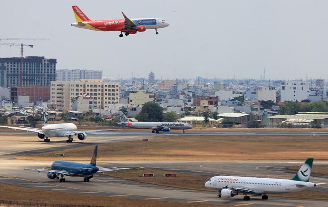 Tân Sơn Nhất,Cam Ranh,chậm huỷ chuyến bay