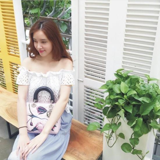 Tủ đồ hiệu siêu chất của em gái Hoa hậu Mai Phương Thúy