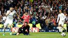 Bayern tự bắn chân mình, Real Madrid đoạt vé chung kết