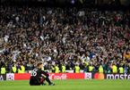 """Bayern """"chết đứng"""" vì sai lầm tai hại của thủ môn"""