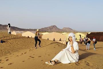 Theo chân nhà văn Di Li khám phá bình minh ở Sahara