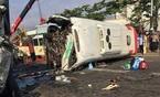 1 người chết, 10 người thương khi xe khách đấu đầu xe tải