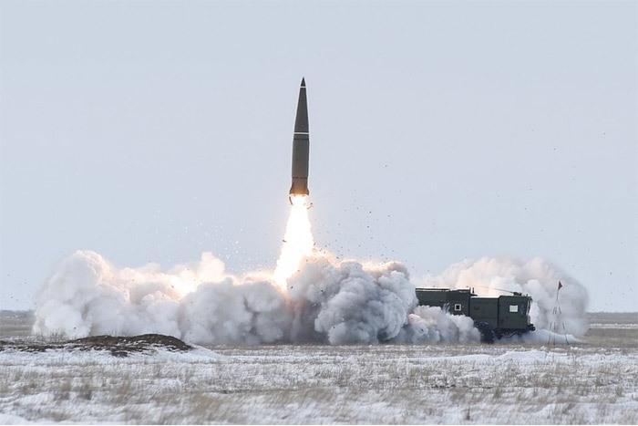 Xem lính Nga phóng thử tên lửa đạn đạo 'không đối thủ'