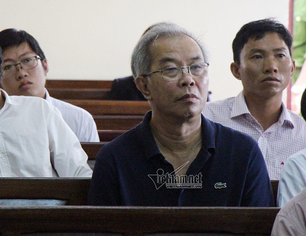 Diễn biến bất ngờ tại toà xử cựu GĐ ngân hàng và đại gia thuỷ sản