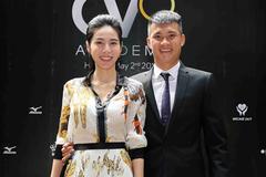 Thuỷ Tiên mặc cây hàng hiệu hơn 1 tỷ sánh đôi Công Vinh
