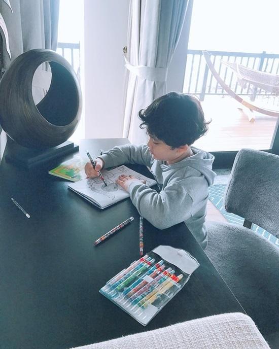 Khánh Thi bất ngờ khi Nguyệt 'thảo mai' gây sốt trở lại sau 17 năm