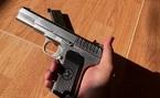 Cán bộ công an trộm súng của cơ quan đem đi bán