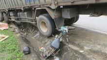 Nghệ An: Xe tải thả dốc lấn làn nghiến 1 người chết thảm