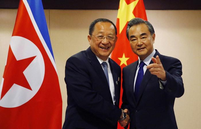 Ngoại trưởng TQ khen Triều Tiên sau chuyến thăm hiếm có