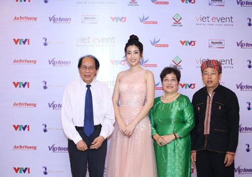 Tôn vinh giá trị văn hóa dân gian, ẩm thực Việt