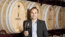 Iniesta rời Barca, sang Trung Quốc bán rượu vang