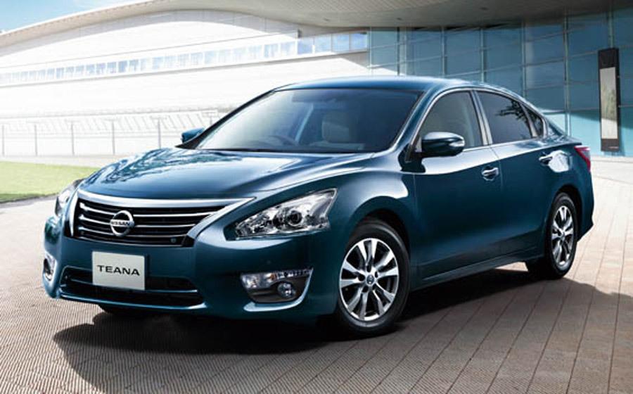 Ô tô Nissan, Mitsubishi đồng loạt giảm mạnh: Mất giá hơn 100 triệu