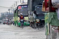 Dự báo thời tiết 4/5: Sài Gòn mưa 4 ngày, Đà Lạt rét 16 độ